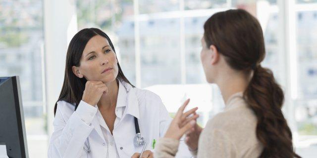 Женщина и доктор