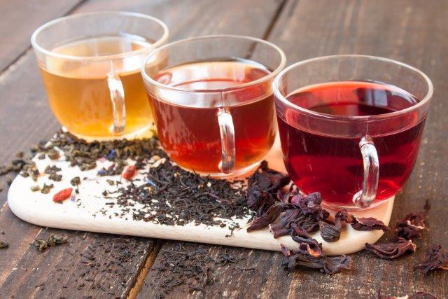 Три чашки с чаем